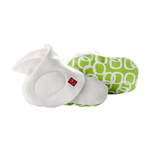 Amazon.com : Goumiboots - Smart, Stay On Baby Booties - 1 Pack (Small/Medium Chevron Stone ) : Baby